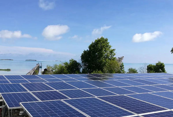 太阳能发电设备价格多少钱一平方