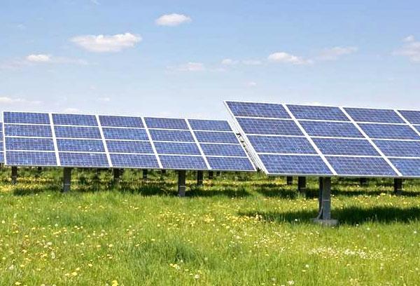 100kw光伏发电站一天发电是多少