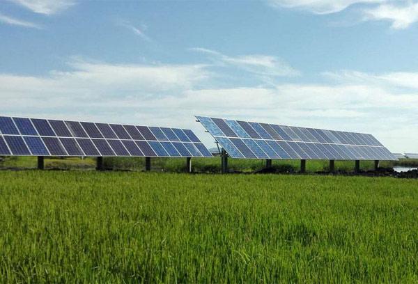 300千瓦光伏发电一年多少度