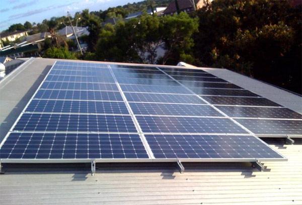 工厂用太阳能光伏发电好吗