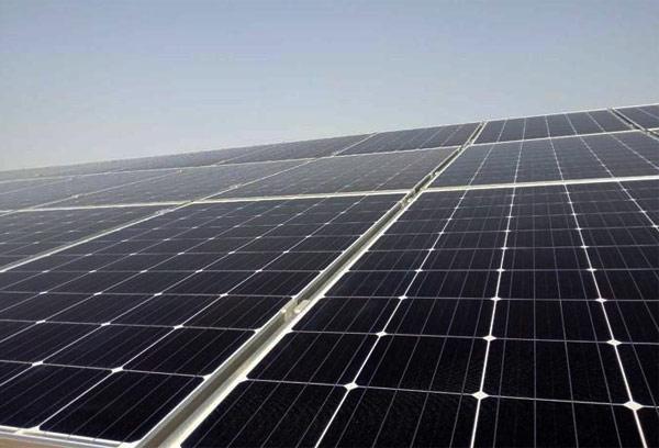 200kw光伏发电站一天能发多少度电?